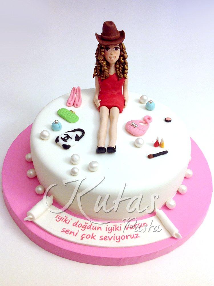 18 Yaş Kız Pasta