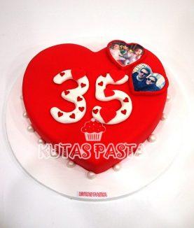 Kırmızı Kalpli Pasta 35 yaş