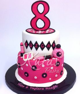 8 Yaş Pastası