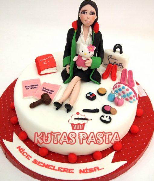 Avukat Kadın Pasta