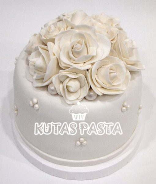 Nişan Pastası Beyaz Güllü