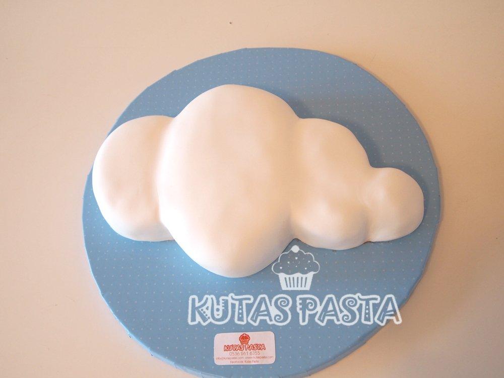 Bulut Şeklinde Pasta