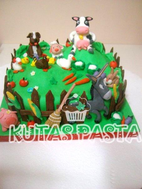 Çiftlik Hayvanlı Pasta