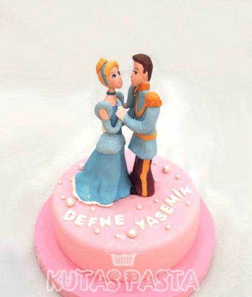 Sindirella ve Prens Pasta Cinderella
