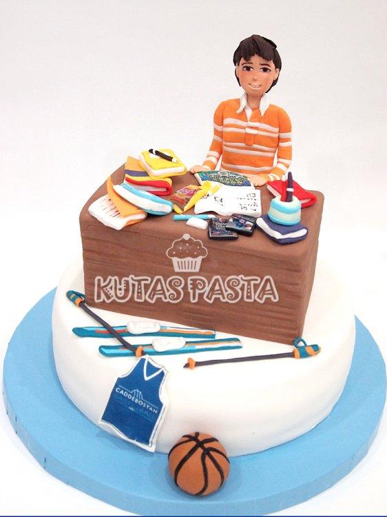Erkek Çocuk pastası Ders Sınav Masa Kayak