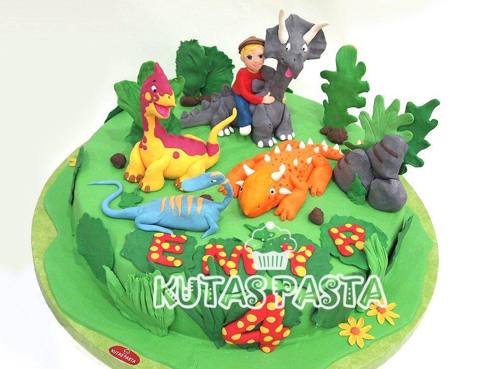 Dinazorlu Pasta 4 Yaş Dinozor