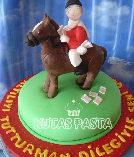 At Yarışı Pasta
