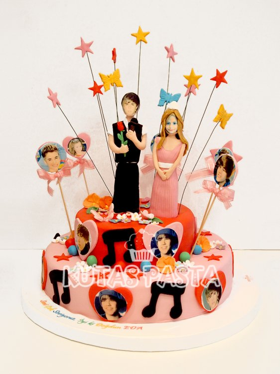 Müzikli Justin bieber Pastası