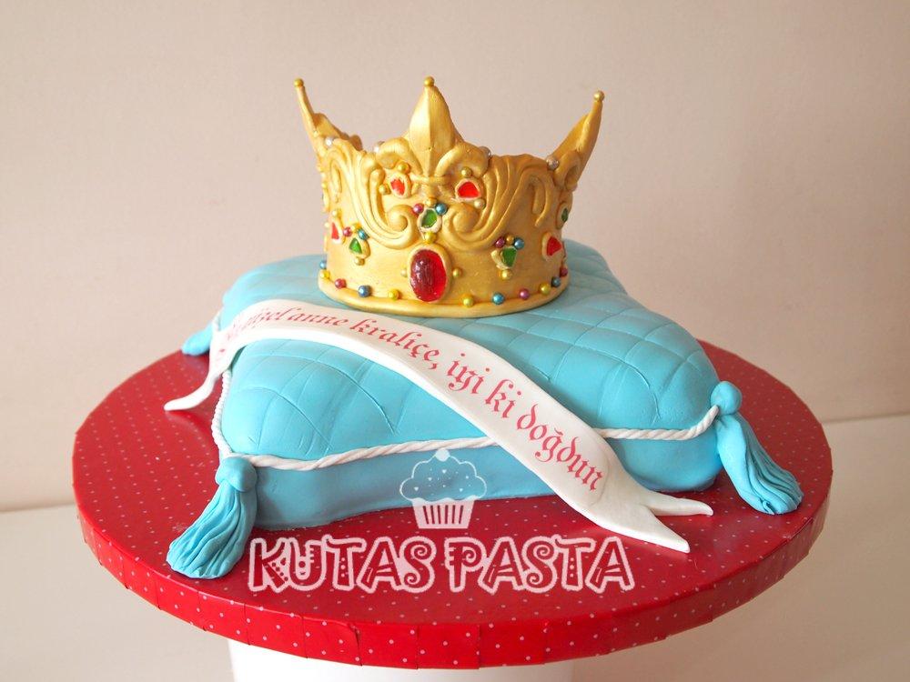 Kral Kraliçe Tacı Pastası