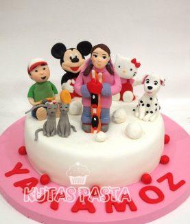 6 Yaş Kız Çocuk Pasta Hello Kitty Mickey