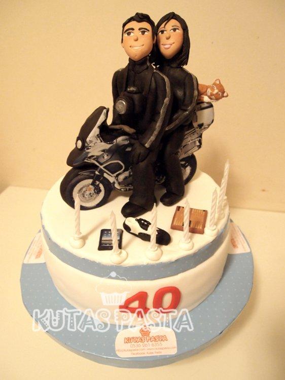 Motosikletli Sevgili Pasta