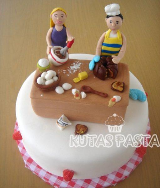Aşçı Çift Pasta
