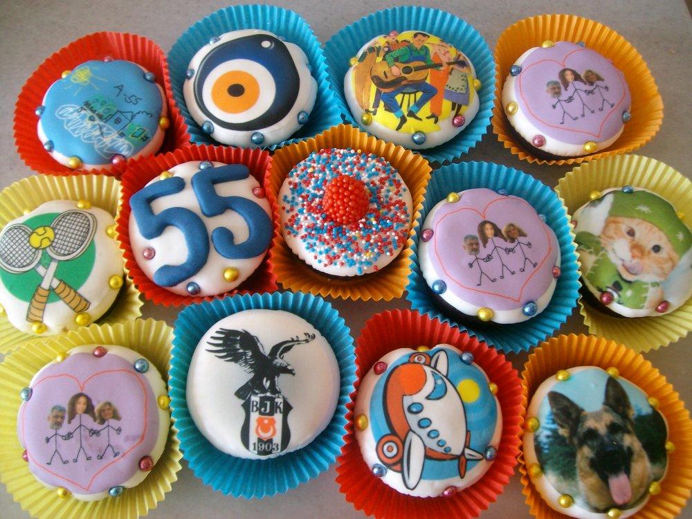 55 Yaş Beşiktaş Cupcake