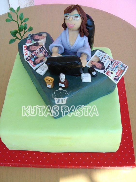 İş Kadını Patron Pasta