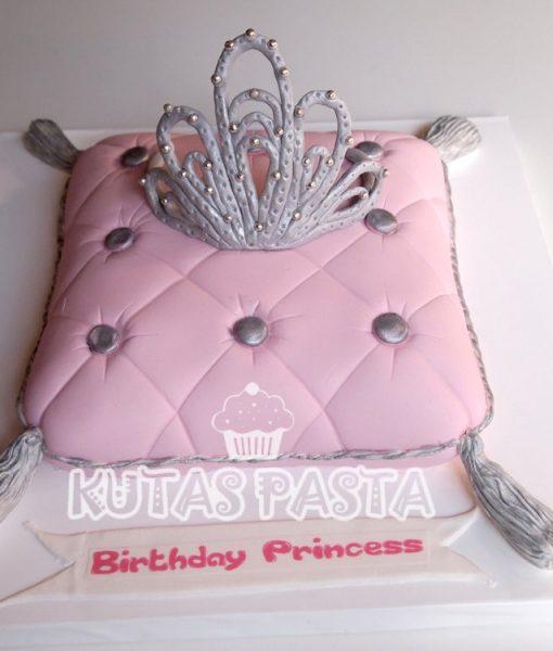 Prenses Tacı Pasta Yastık