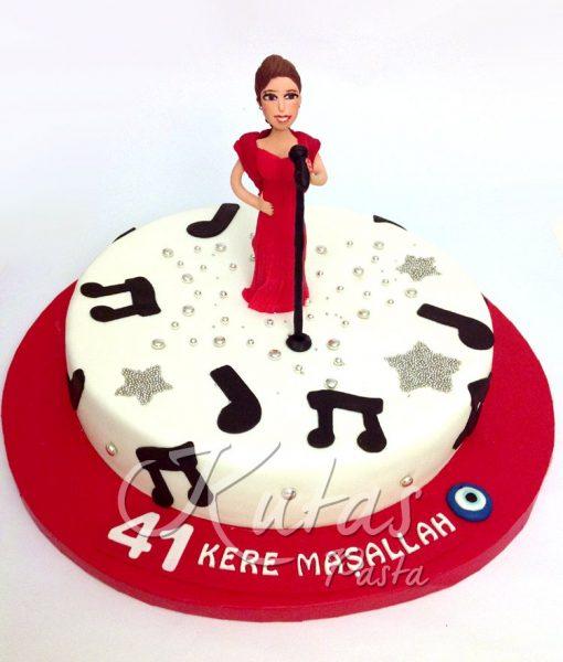 Şarkıcı Pasta