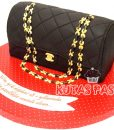 Siyah Chanel Çanta Pasta