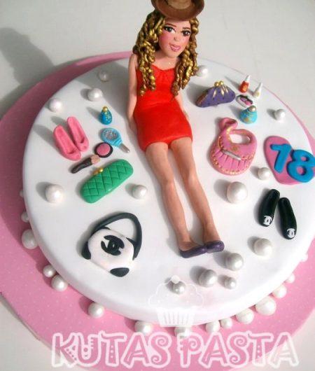 18 Yaş Pasta Kız