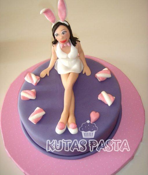 Tavşan Kız Pasta Playgirl