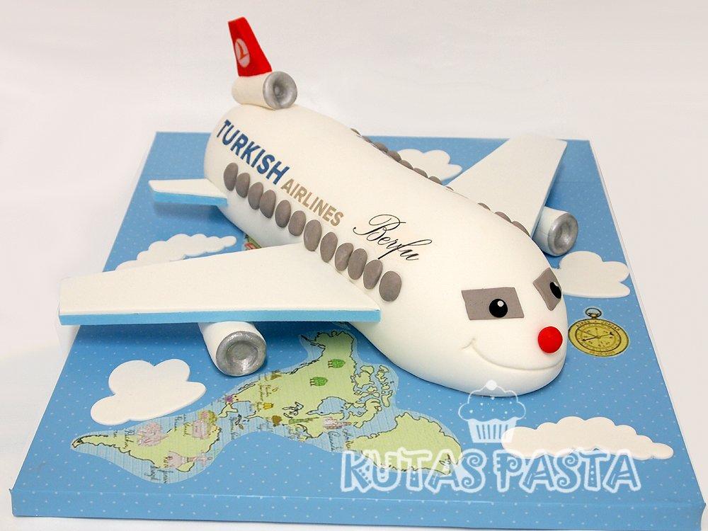 Uçaklı Pasta THY