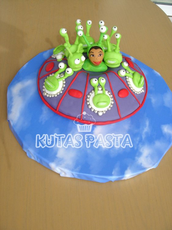 Uzaylı Pasta