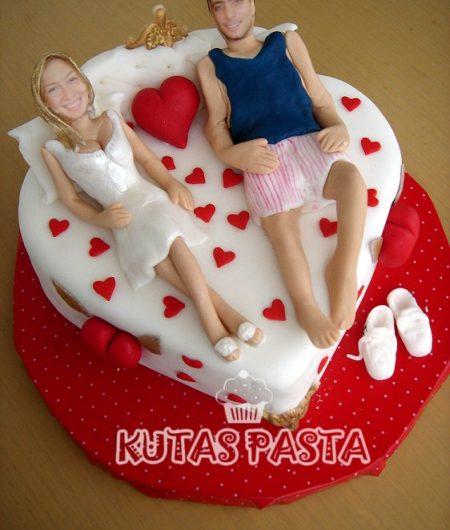Sevgililer Günü Kalpli Pasta