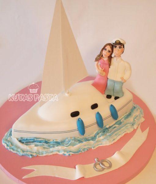Yelkenli Tekne Pasta Nişan