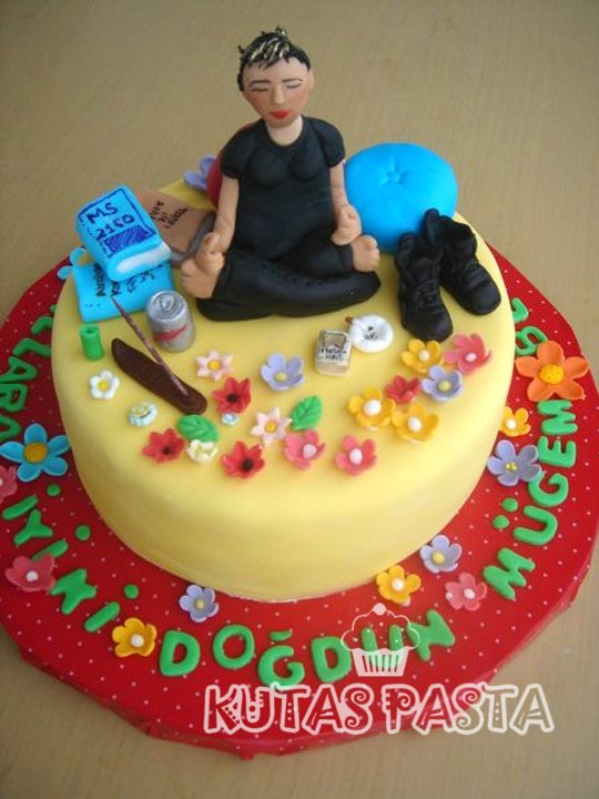 Yoga Yapan Kadın Pasta