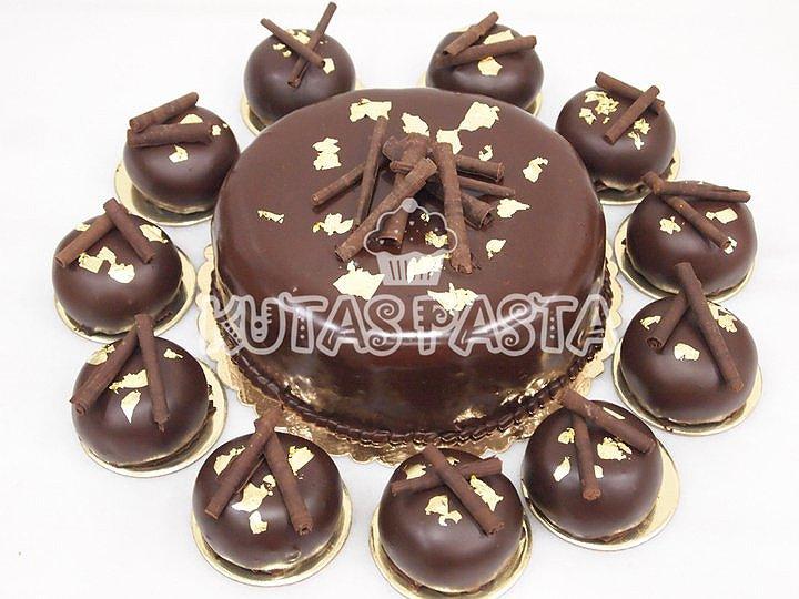 Çikolata Kaplı Porsiyon Pasta