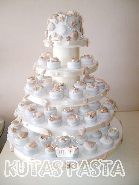 Deniz Kabuğu Katlı Düğün Pastası